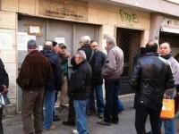 Caos Tari a Napoli, garage più cari delle case: assalto agli sportelli