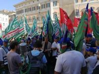 VOUCHER: Dopo 3 giorni di presidio, i sindacati tornano ancora in piazza